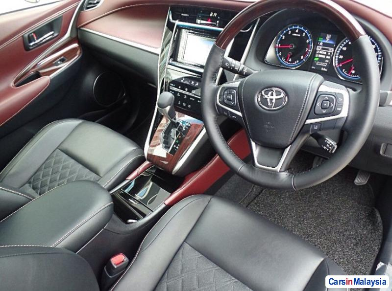 Picture of Toyota Harrier Automatic 2016 in Kuala Lumpur