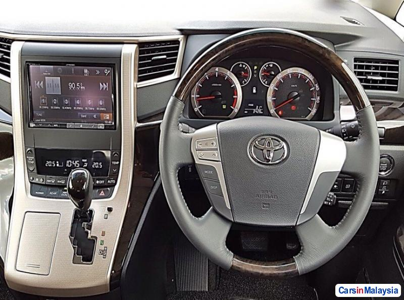 Picture of Toyota Vellfire Automatic 2015 in Malaysia