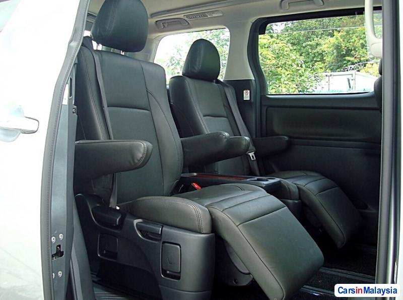 Picture of Toyota Vellfire Automatic 2013 in Malaysia