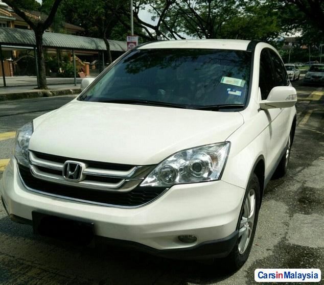 Pictures of Honda CR-V Automatic 2011