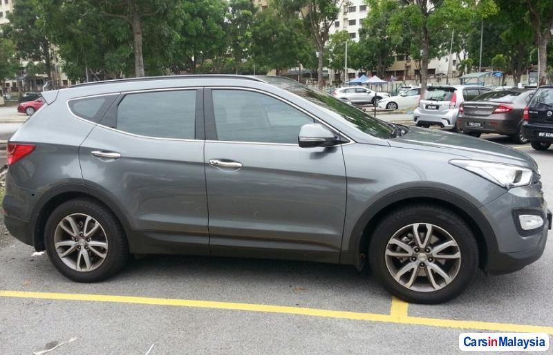 Hyundai Santa Fe 2.2-LITER LUXURY SUV Automatic 2012 in Selangor