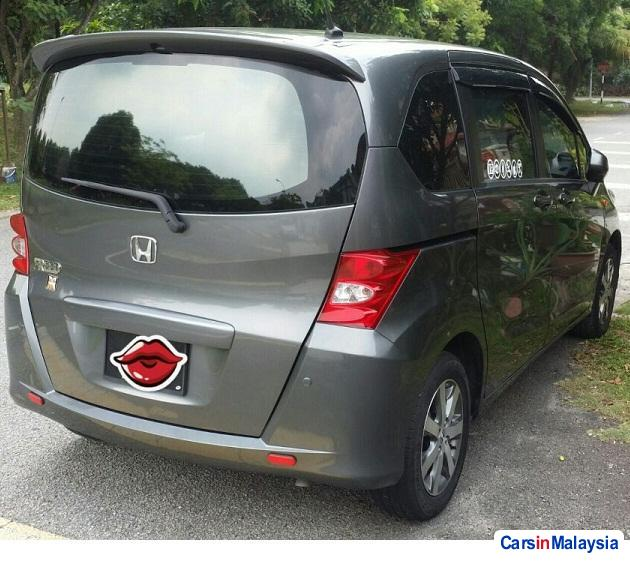 Honda Freed Automatic 2012 - image 3