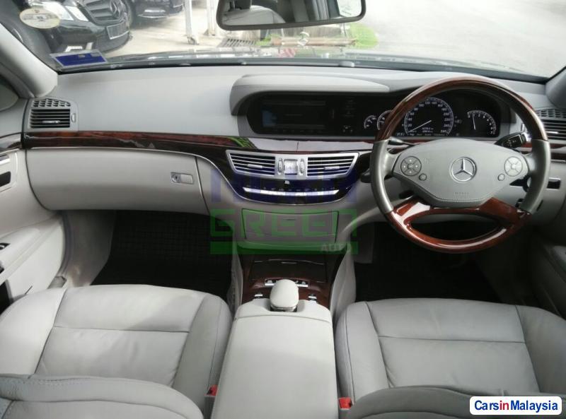 Mercedes Benz S300L Automatic 2011 - image 10