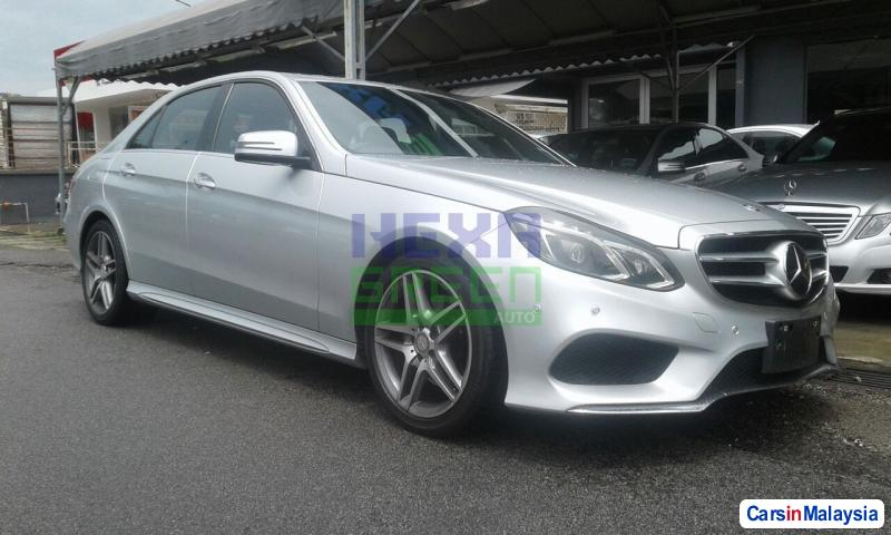 Pictures of Mercedes Benz E250 CGI Automatic 2013