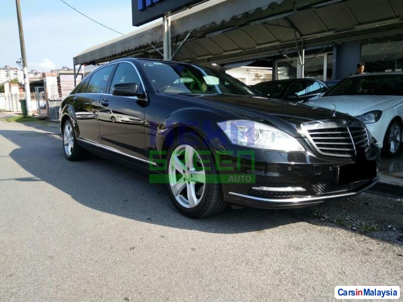 Pictures of Mercedes Benz S300L Automatic 2011