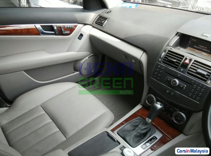 Mercedes Benz C-Class Automatic 2008 - image 9