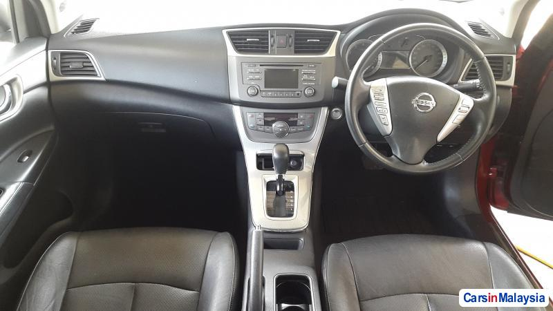 Nissan Sylphy Automatic 2014 - image 3