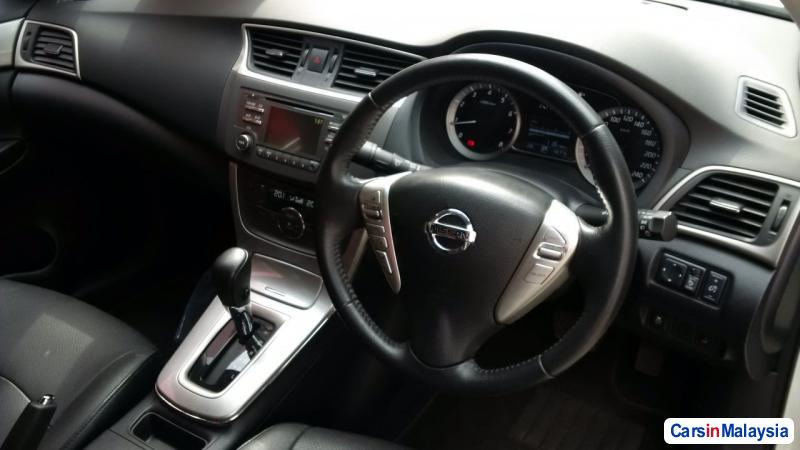 Nissan Sylphy Automatic 2014 - image 4