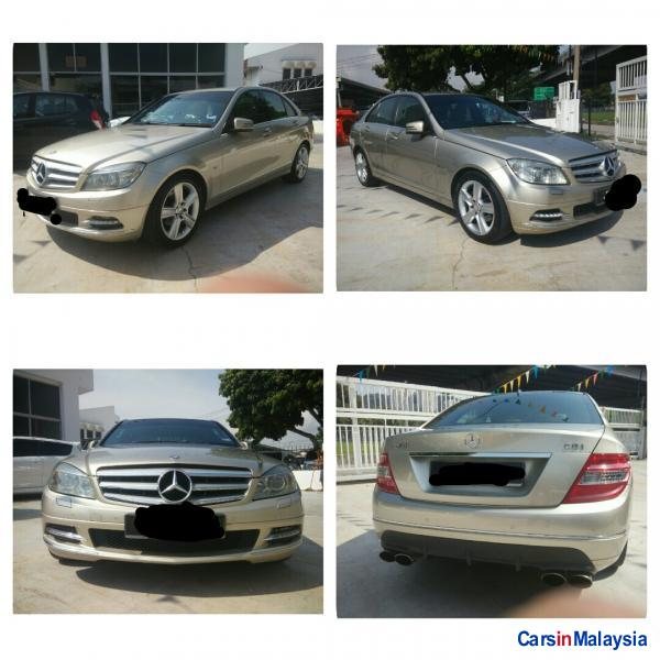 Picture of Mercedes Benz 250D Automatic 2010