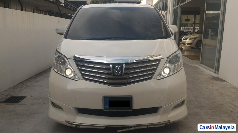 Pictures of Toyota Alphard Automatic 2010